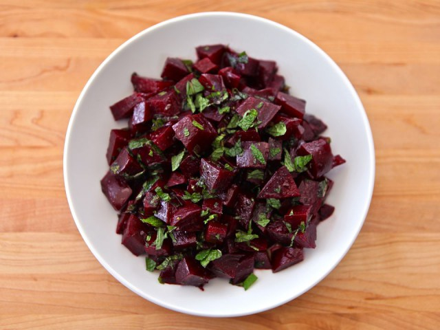 Beet-Salad-with-Mint-640x480